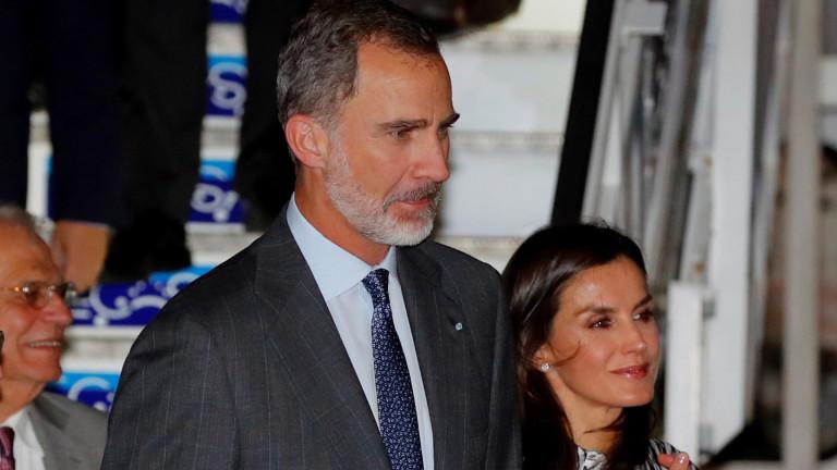 Испанският крал Фелипе е на първото държавно посещение на испански