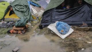 Турция можела да приеме десетки хиляди върнати бежанци, не милиони