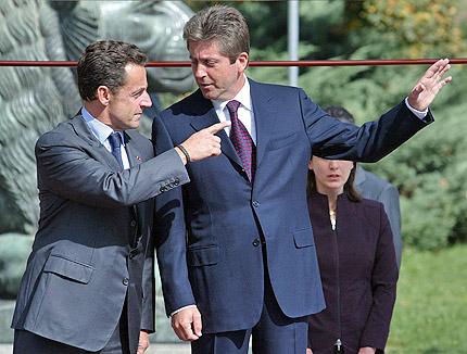 Започна посещението на френския президент у нас