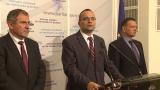 Въпросите ни за КТБ потъват като вода в пустиня, гневят се трима депутати