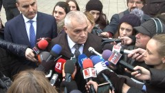 Валентин Радев: Не правим политика на калпак