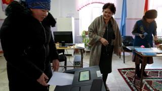 Киргизстан избира президент и форма на управление