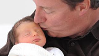 Британският премиер излиза отпуск по бащинство