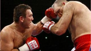Руслан Чагаев се завърна с победа на ринга