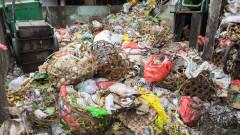 Спреният в Италия боклук бил краен продукт от третирането на пластмасата