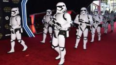 """Премиерата на """"Междузвездни войни"""" предизвика фурор в Лос Анджелис (СНИМКИ)"""