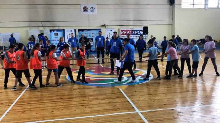 Мария Гроздева се срещна с 200 деца от столични училища на спортен празник