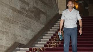 Депутатите втрещени от нужните пари за нов боен самолет и кораб