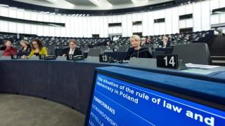 ЕП заплаши Полша с отнемане правото на глас