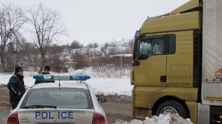Лошото време в Румъния спря камиони по Дунав мост-Русе