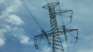 Жители на Яхиново се оплакват от постоянно спиране на тока