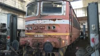 Локомотив на товарен влак се запали по време на движение