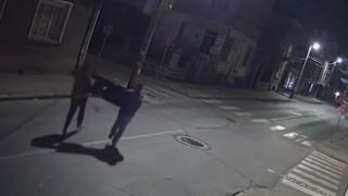 Младежи разбиха магазин за фаянс и откраднаха 2 мивки
