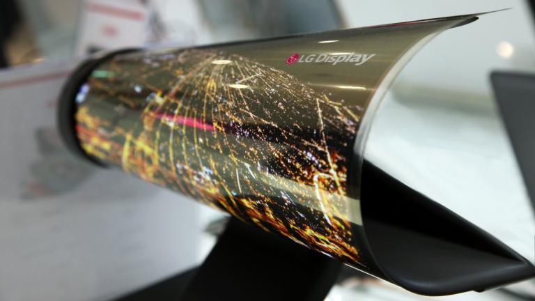 LG представи монитор, който може да се навива на руло като вестник