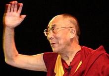 """Китай """"скочи"""" срещу визитата на Далай Лама в Тайван"""