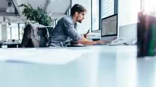 Една трета от малките и средни бизнеси в световен мащаб са принудени да съкращават служители