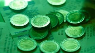 Около 4000 българи получават доходи от лихви от ЕС
