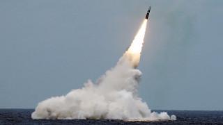 Пилоти на пътнически самолет заснеха изстрелването на американска балистична ракета