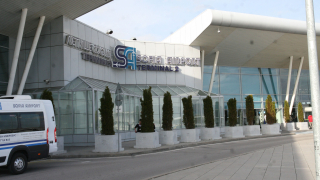 Цели 49% е ръстът на пътниците на софийското летище за ноември