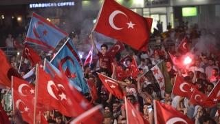 Турция забрани университетските преподаватели да напускат страната