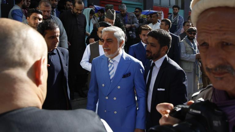 Ръководителят на изпълнителната власт на АфганистанАбдула Абдула обяви победа след