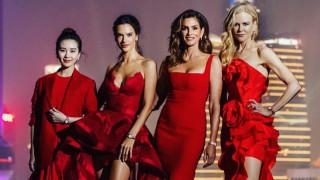 Когато жените са в червено и са готови на всичко