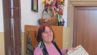 Най-възрастната работеща наша учителка - 80-годишната Владка