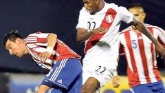 Перу обърна Парагвай с 9 души