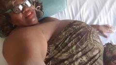 Притежателката на най-големия бюст заработи милион в еротичен сайт