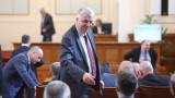 БСП: Няма да подкрепим Борисов, цяла България му се смее