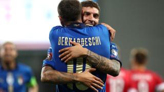 Италия наниза пет гола на Литва и дръпна на върха в групата на България