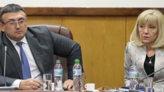 Маринов вижда вчерашния проблем по пътищата в шофьорите на тирове