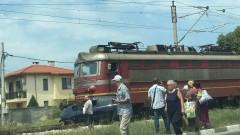 Запали се локомотив на пътнически влак