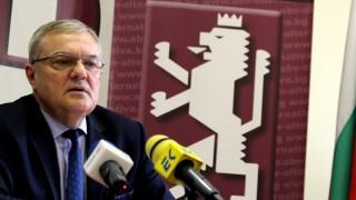 Румен Петков обвини управляващите, че правят бизнес от COVID-19