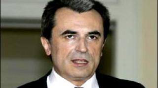 Орешарски представя първия евробюджет пред местните власти