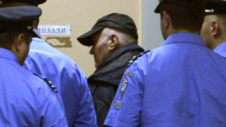 Защитават Младич на държавни разноски?