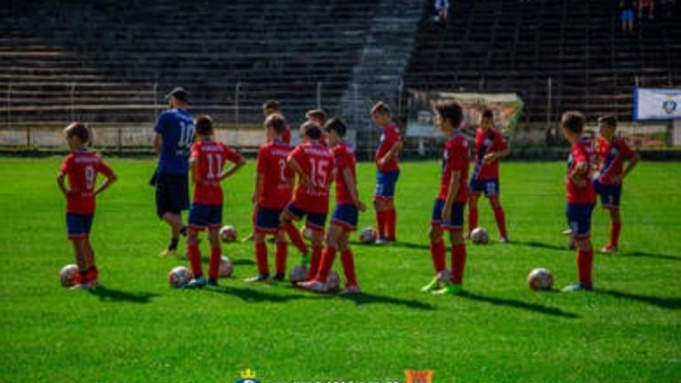 Възраждане 2020 стартира участие с три отбора в първенството