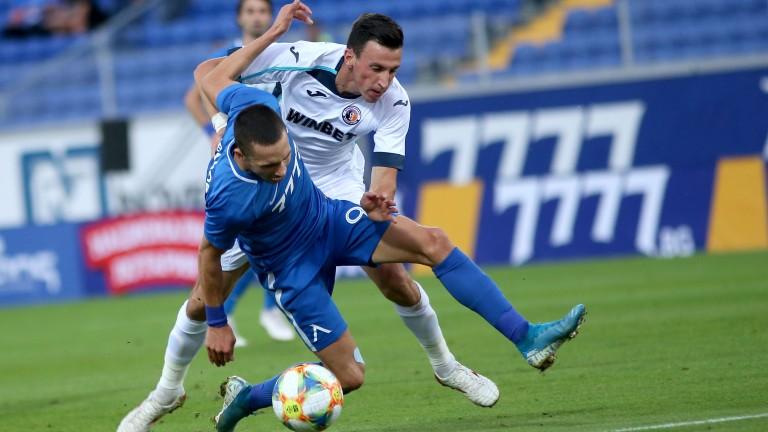 ЦСКА ще реши дали да привлече халфа на Етър Румен