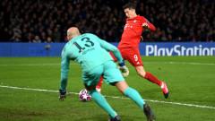 Левандовски играл контузен близо час срещу Челси