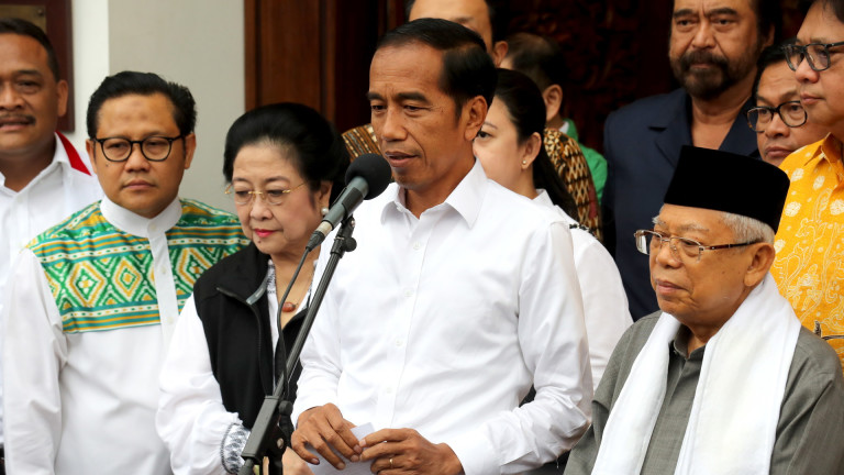 Снимка: Видодо и управляващата партия печелят изборите в Индонезия