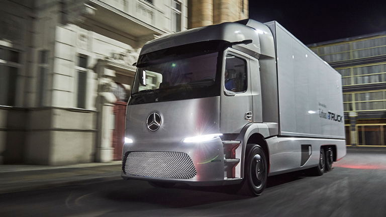 Mercedes пуска електрически камион до края на годината (ВИДЕО)