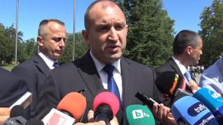 Румен Радев: Оставките не вършат работа, проблемите остават