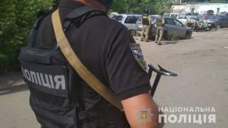 В Украйна мъж с граната взе за заложник полицейски началник