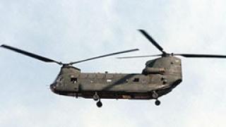 Военен хеликоптер се разби на оживена улица във Филипините