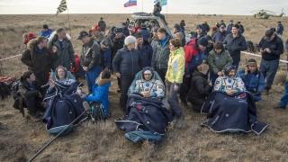Руснак, японец и американка се прибраха благополучно от Международната космическа станция