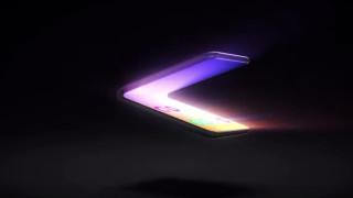 Samsung Galaxy Fold 2 заменя пластмасата в екрана със стъкло