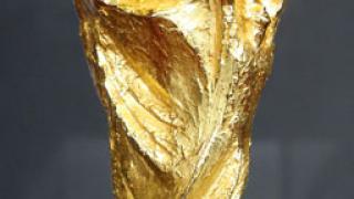 Заловиха копие на Световната купа, направено от кокаин