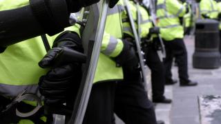 Подозрителен бял прах получен в шотландски служби