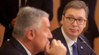 ЕС критикува Вучич за сексизъм и реплика за целувка между Могерини и Хашим Тачи