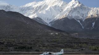 23 души загинаха при самолетна катастрофа в Непал